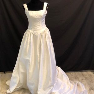 Beautiful Mary's Bridal Wedding Dress Gown Size 8